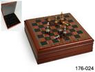 Шахматная доска с фигурками