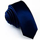Узкий темно-синий галстук