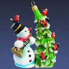 Снеговик с ёлкой и снегирями