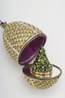 Шкатулка-яйцо a la Faberge драгоценная елка