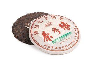 """Шу Пуэр (блин) 2005 г. 400 г (фаб. Пувэнь) """"Ча Сян Юань"""" (Ароматный чай)"""