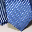 Набор Aristokrat галстук с платком с голубыми косыми линиями и фактурным орнаментом