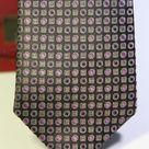 Галстук мужской черного цвета с сиреневым геометрическим рисунком