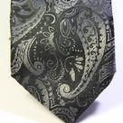 Галстук мужской черного цевта модный с серым фактурным рисунком