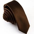 Узкий темно-коричневый галстук