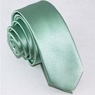 Узкий бледно-зеленый галстук